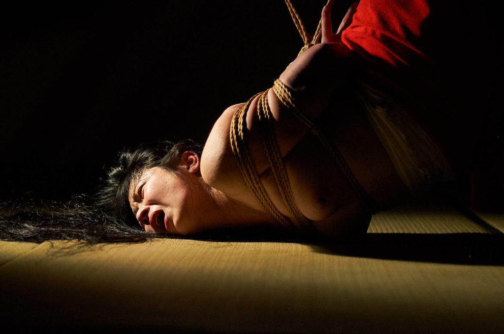 Kinbaku photography taught by the master: Workshop with Sugiura Norio