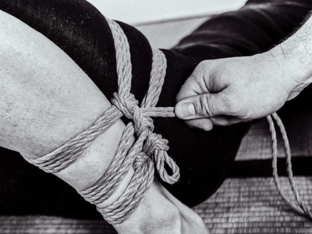 Learn Japanese Rope Bondage, Gote, Takate-Kote, Futomomo